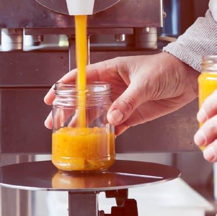 Evitando per quanto possibile la cottura, manteniamo le caratteristiche organolettiche e nutrizionali della frutta e della verdura.